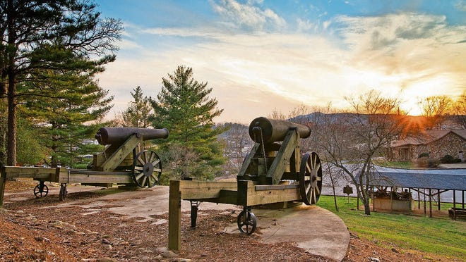 Replicas of Civil War-era cannons on Jackson Hill.