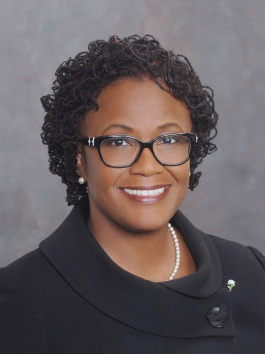 2016-Official-Photo-Mayor-C.-Kim-Bracey.jpg