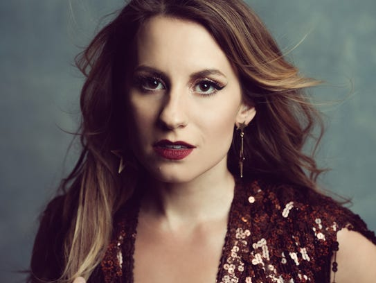 "Caitlyn Smith will release her first album ""Starfire"""
