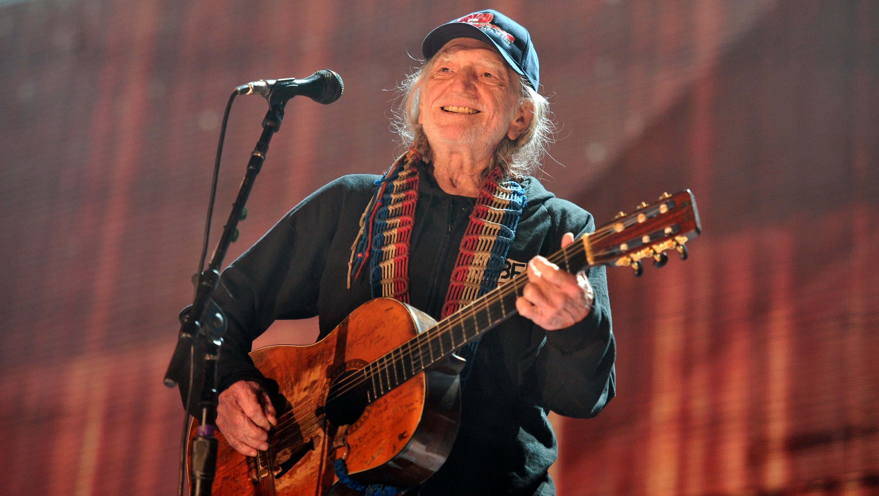 willie nelson cancels reschedules concerts due to illness