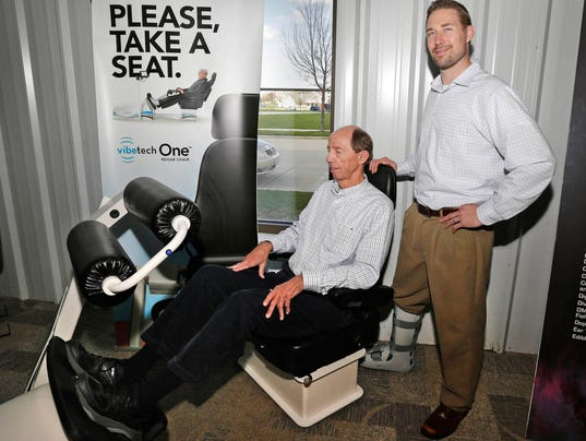635989960108872166-she-n-Vibetech-Chair-Therapy0512-gck-01.JPG