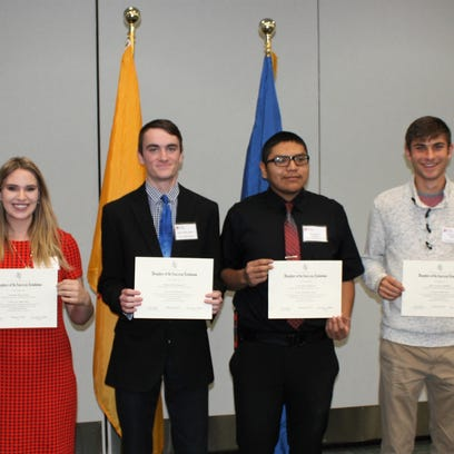 DAR Honors students for good citizenship