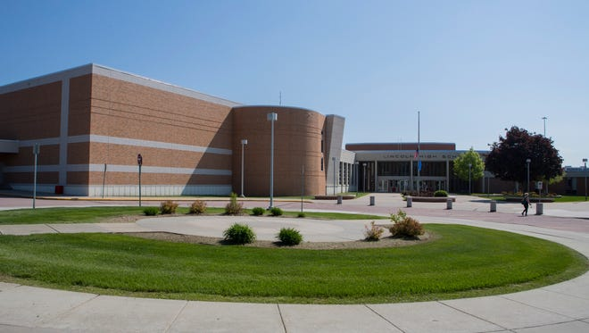 Lincoln High School building mug in Sioux Falls, S.D. on Tuesday, May 22, 2018.