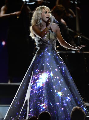 Carrie wore an amazing dress that changed throughout