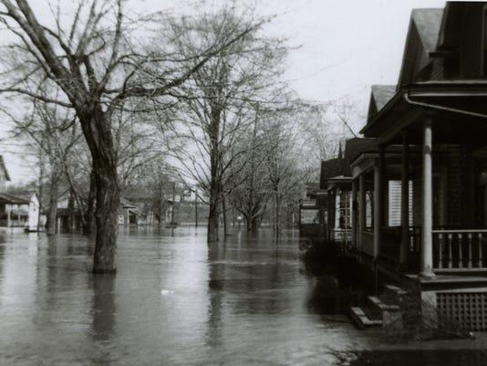636270966005213358-Lansing-Flood-19474.jpg