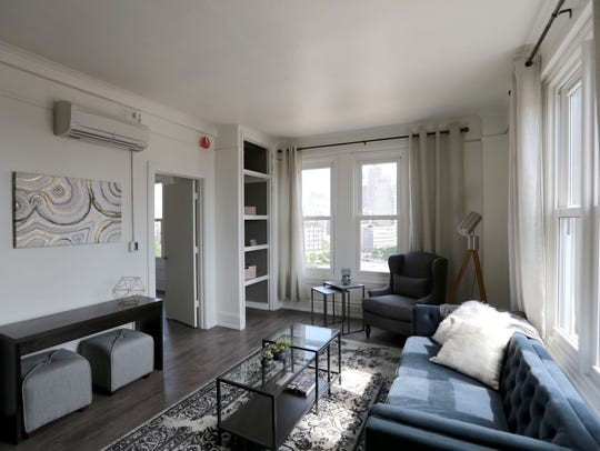 Living space of a 630 Sq.- ft one bedroom apartment