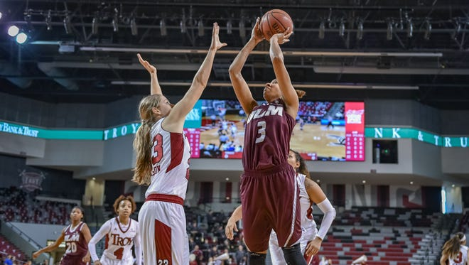 ULM's Alayshia Hunter scored a career-high 30 points at Troy on Saturday.