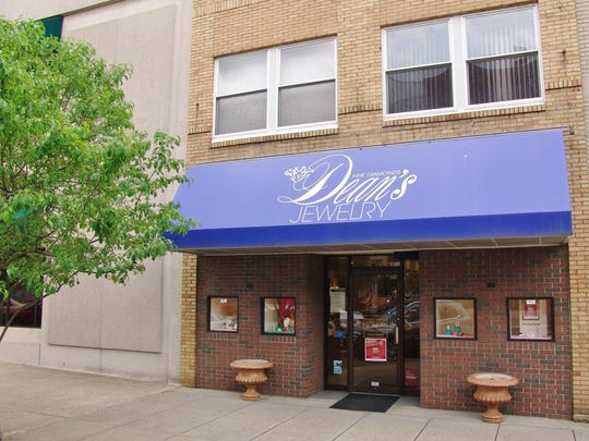 Dean's Jewelry of Coshocton has been located at 409