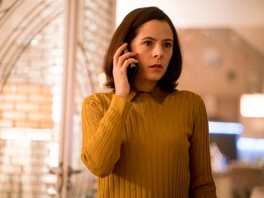 Elaine Cassidy stars in 'Acceptable Risk.'