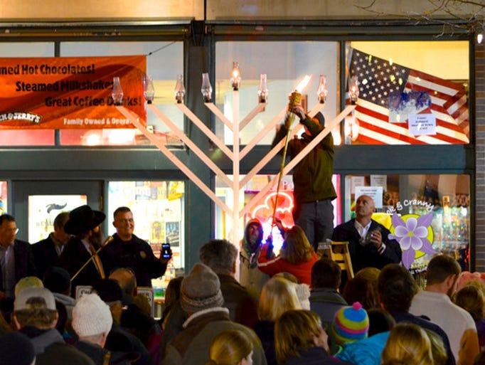 Cynthia Schneider: Festival Of Lights: Celebrate Hanukkah Around The USA
