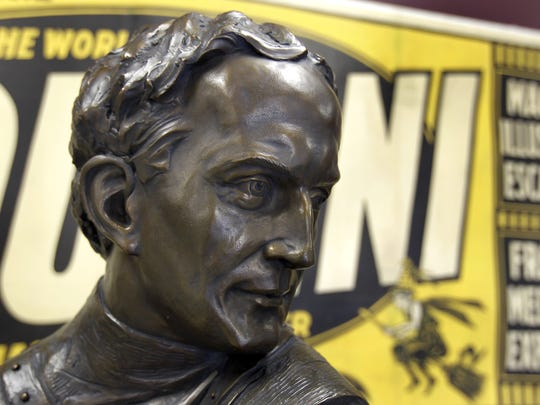A bust of Harry Houdini will be installed in Houdini