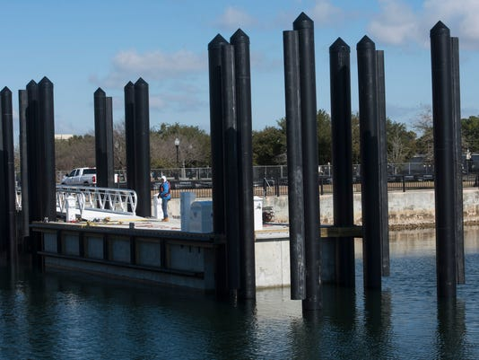 Ferry Dock-Commendencia