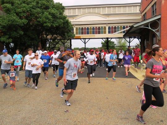 HIV runners in Montgomery.jpg