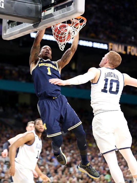 Charles Matthews dunk