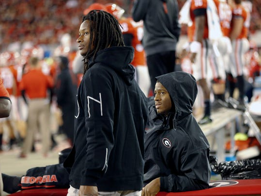 Gurley Returns To Georgia Sideline Joins Injured Chubb
