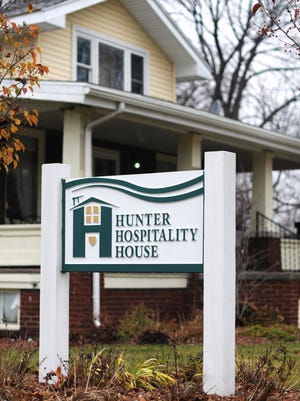 Hunter Hospitality House is sponsoring its sixth annual art contest .