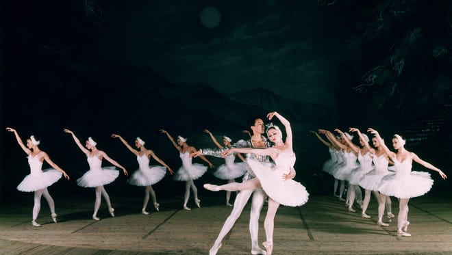 """The Moscow Festival Ballet performing """"Swan Lake"""""""