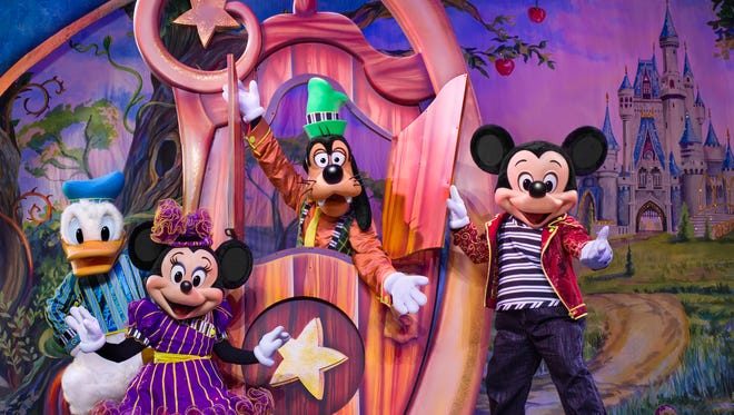 Disney Live! Mickey and Minnie's Doorway to Magic will feature Mickey and Minnie Mouse, Donald Duck, Goofy and 25 more Disney characters.