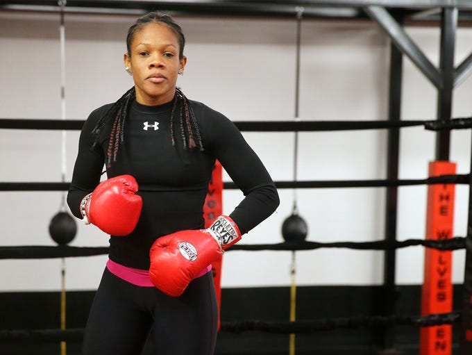 Dominican Republic featherweight contender Liliana