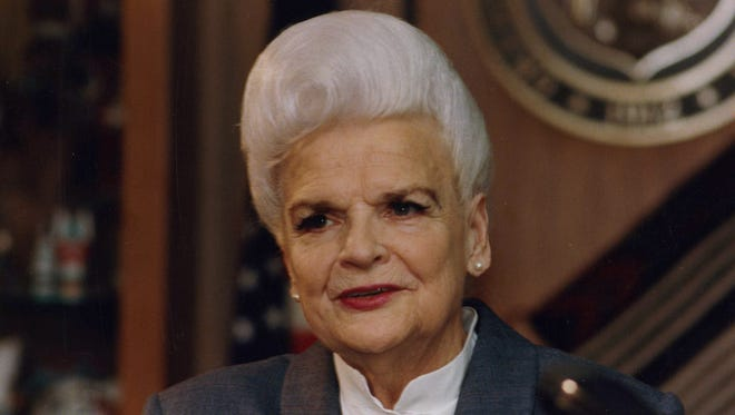 Former Arizona Gov. Rose Mofford in 1990.