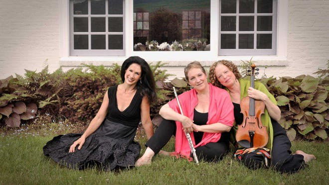 The Auréole Trio, from left: Stacey Shames, Laura Gilbert and Mary Hammann. (PHOTO FROM WEBSITE]