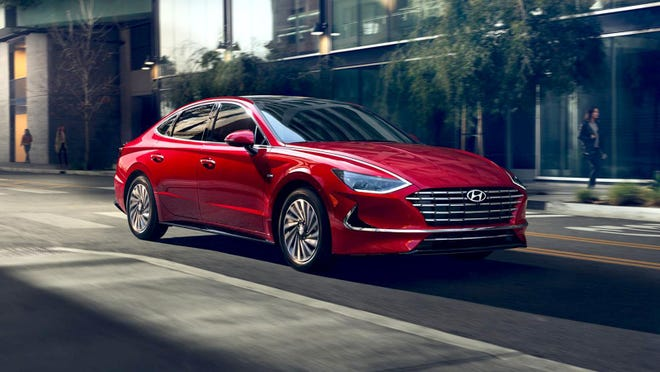 The 2020 Hyundai Sonata Hybrid combines a 150-horsepower, 2.0-liter four-cylinder gasoline engine that makes 139 pound-feet of torque with a 51-horsepower electric motor that delivers 151 pound-feet of torque.