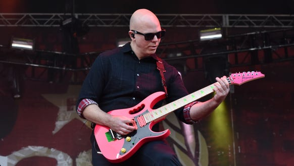 Josh Rand of Stone Sour playing at Louder Than Life