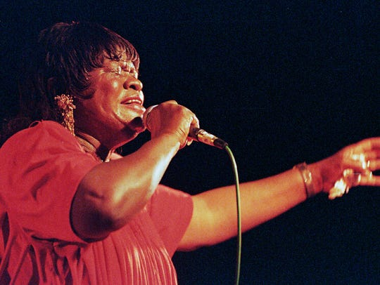 Koko Taylor and the Blues Machine entertains music