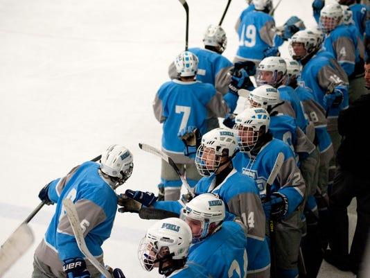 BUR 0226 hockey quarterfinal C11