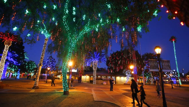 Glendale Glitters offers sixteen blocks of Historic Downtown Glendale will be lit up during the holidays.