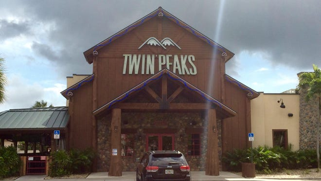 Twin Peaks in West Palm Beach scores high marks for its food, setting and service.