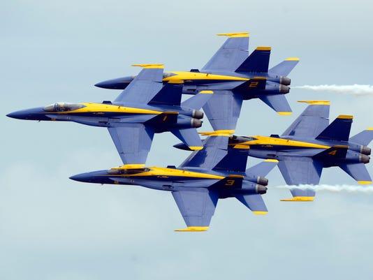 web-Blue Angels Saturday 43