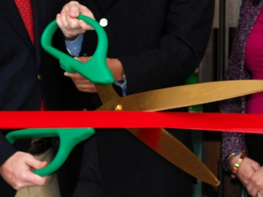 -ribboncutting.jpg_20140515.jpg