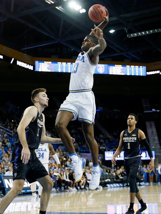 Fort_Wayne_UCLA_Basketball_56226.jpg
