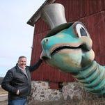 Photos: Gino Salomone and Mr. Sea, a giant turtle