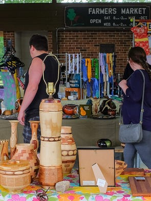 crafts to sell shoppers seek the unique at meridian craft market 1775