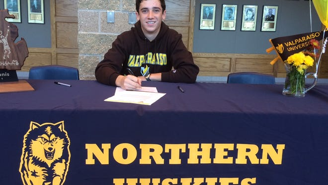 Port Huron Northern tennis player Franklin Brozovich signs his Letter of Intent to Valparaiso University
