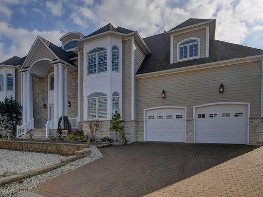 41 Bay Breeze Dr Toms River NJ-print-002-Front of Home-3692x2269-300dpi.jpg