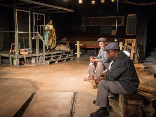 The play is set in an alley style at the Cloverdale