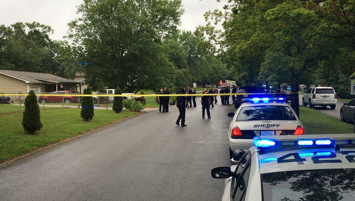 Knox County sheriff's officers roped off a crime scene