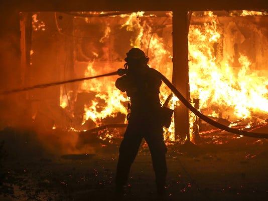 USP NEWS: CALIFORNIA WILDFIRE A USA CA