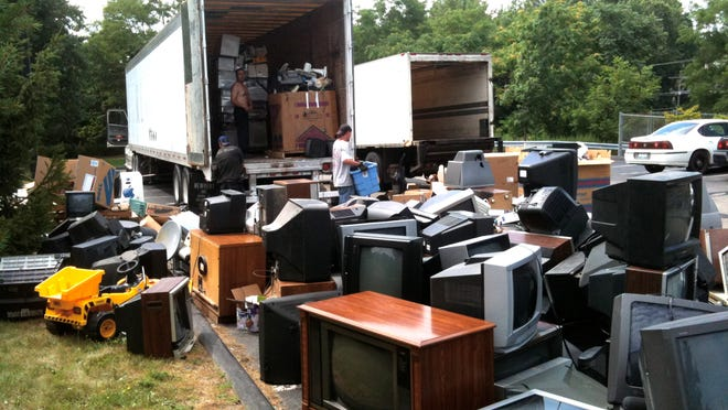 In two years Zero to Go in Beacon organized three e-waste events in Beacon, collecting more than 90,000 pounds of electronics for recycling that was brought in by 1,052 people from the Hudson Valley.