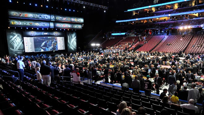 Who will the Coyotes take at No. 7 in the NHL draft? Take a look at the projections.