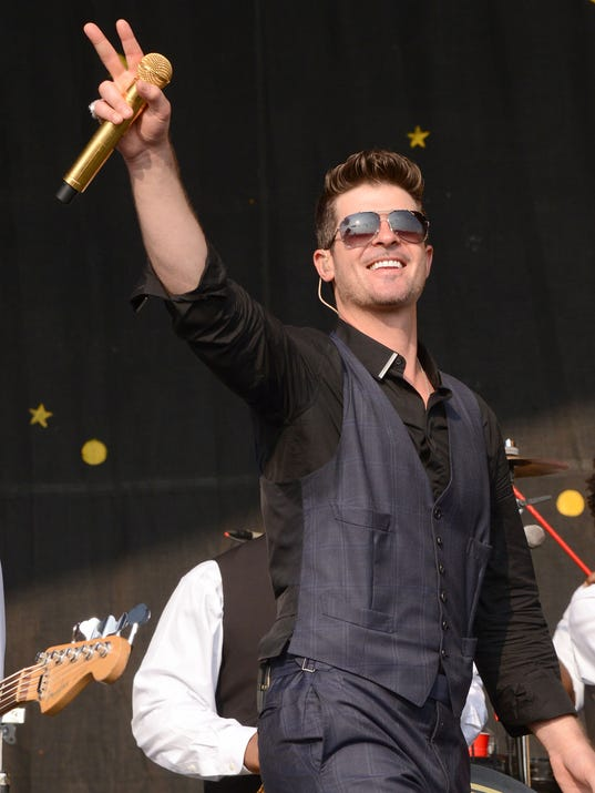 Robin Thicke at Jazz Fest