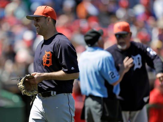 Detroit Tigers starting pitcher Matthew Boyd, left,