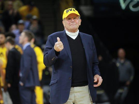 636523344199649807-180123-03-Iowa-vs-Wisconsin-mens-basketball-ds.jpg