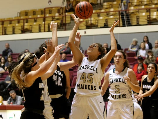 Haskell's C'Era Taylor grabs the rebound in the small
