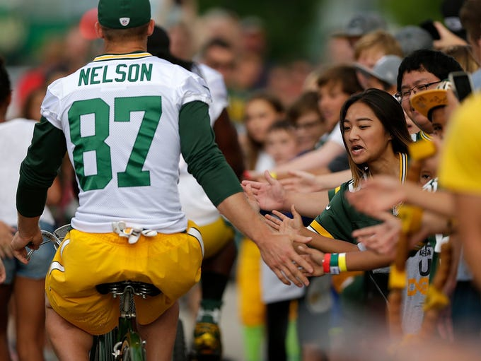 Green Bay Packers receiver Jordy Nelson greets fans
