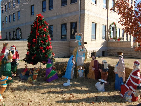 In a response filed late Friday afternoon, an attorney for Baxter County and County Judge Mickey Pendergrass denies allegations a nativity scene on the courthouse lawn violates the Constitution and promotes Christianity.