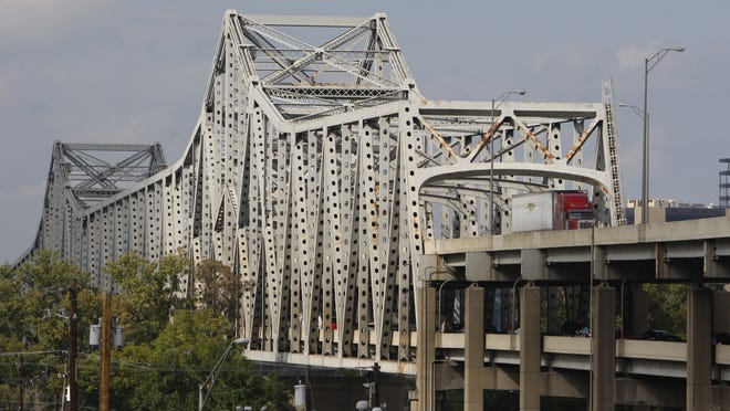 A bill that would allow public-private partnerships on Kentucky transportation projects such as the Brent Spence Bridge passed through a key House committee Tuesday, but without the anti-tolling amendments sought by some Northern Kentucky legislators.